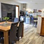 Ouverture de la cuisine sur le salon - Rénovation partielle d'une maison à Monsteroux Milieu en Isère