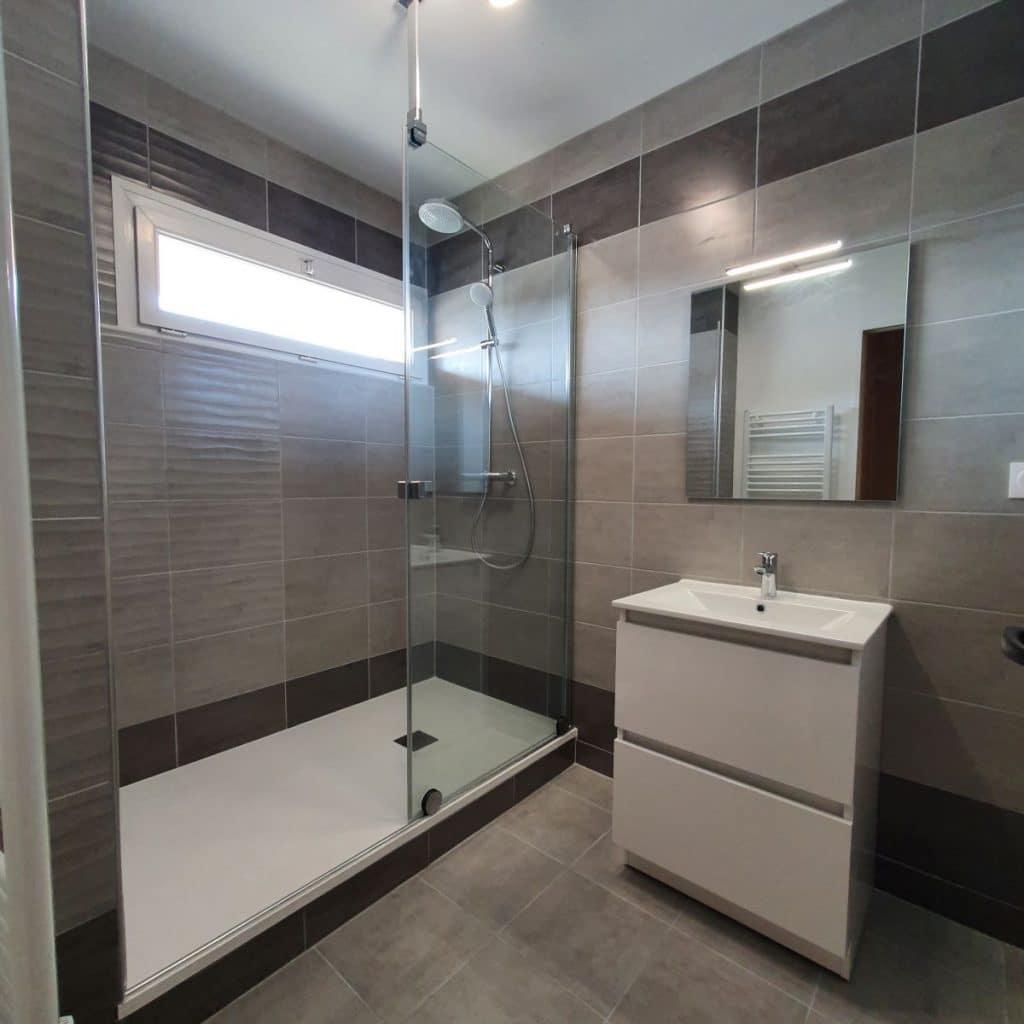 Rénovation d'une salle de bain à Bourges par illiCO travaux