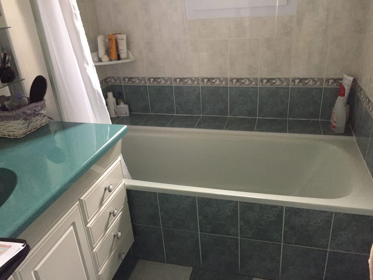 rénovation partielle d'une maison à Luynes - salle de bain avant travaux de rénovation